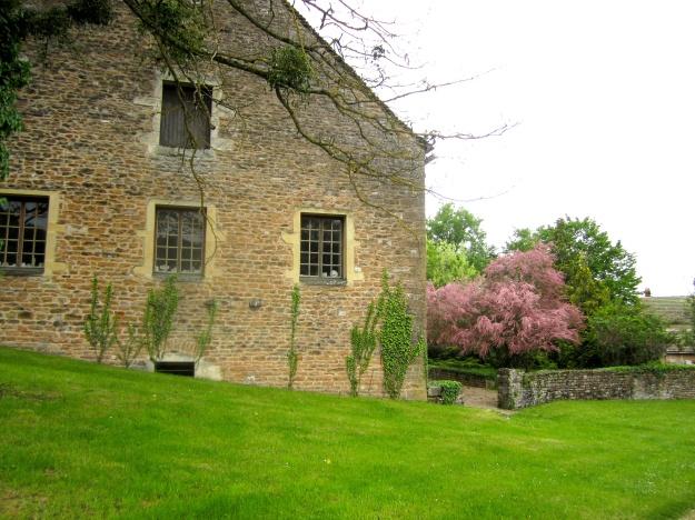 Château de Balleure's next-door neighbor.